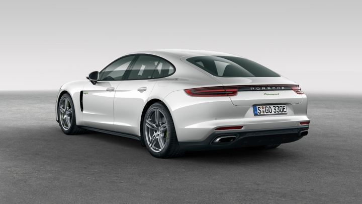 2018-Porsche_Panamera4_e-hybrid-2