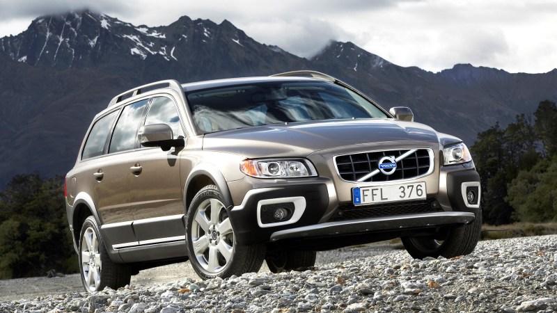 2011-Volvo_XC70-1